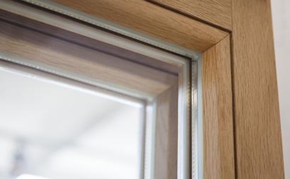 Inbrottsäkra fönster med glaslist på insidan - Glaslist ek på insidan