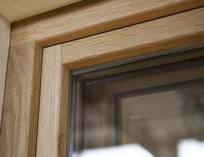 Inbrottsäkra fönster med glaslist på insidan - ingen glaslist utsida ek