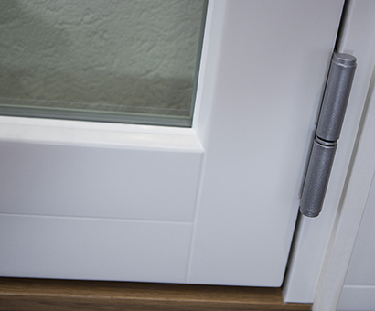Inbrottsäkra fönster med glaslist på insidan - Ingen glaslist på utsida fönsterdörr
