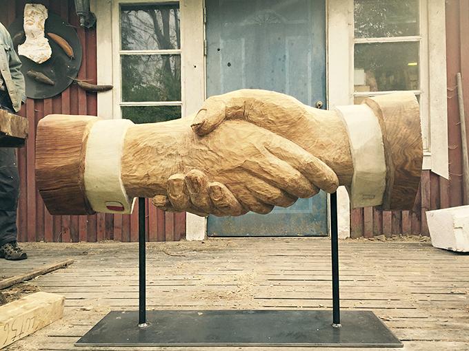 Handslaget-staty-680